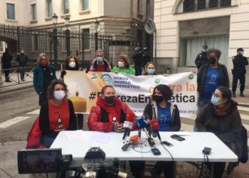 No hay vida digna sin suministros garantizados: diez grupos con representación parlamentaria apoyan las medidas ciudadanas para prohibir los cortes