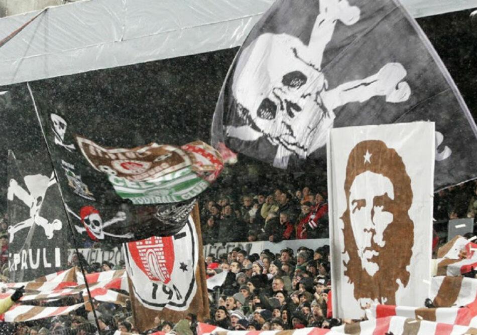 «Fuck Nazis» (FCKNZS) es el eslogan de la próxima camiseta del equipo de fútbol alemán St. Pauli