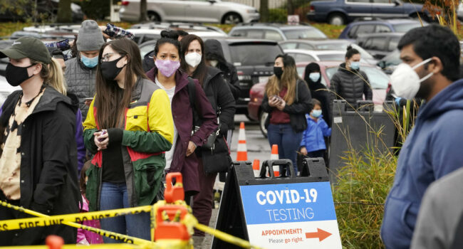 Estados Unidos reporta un nuevo récord de contagios con coronavirus, con más de 225.000 casos en un día