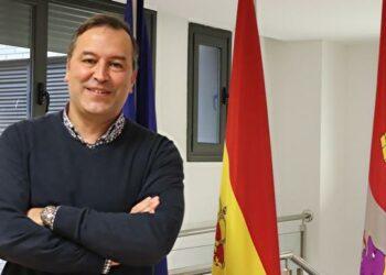 Izquierda Unida de Castilla y León solicita el cese de J. Antonio Antón Director Provincial de Educación en Burgos por dejación de sus responsabilidades en la defensa de las Instituciones Públicas
