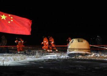 Sonda china Chang'e 5 regresa con éxito a la Tierra