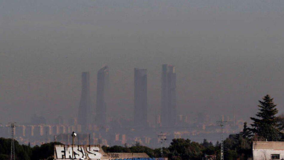 La contaminación del aire urbano en la ciudad de Madrid cae un 41% hasta octubre, aunque repunta al final del año