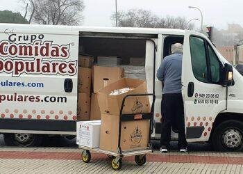 La FRAVM entrega 4.000 comidas a las redes vecinales para su reparto entre familias vulnerables de la capital