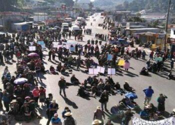 Organizaciones campesinas bloquean carreteras en protesta contra el Gobierno en Guatemala