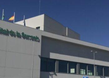 «Nos discriminan: el Servicio de Urgencias de Nuestro Hospital de la Serranía carece de doble acceso y circuito para covid-19 y no covid-19»