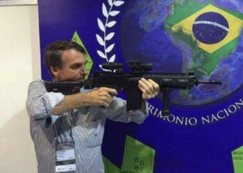 Bolsonaro busca facilitar el acceso a armas de fuego