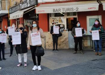 Trabajadoras de 100 Montaditos denuncian que llevan sin cobrar desde Agosto