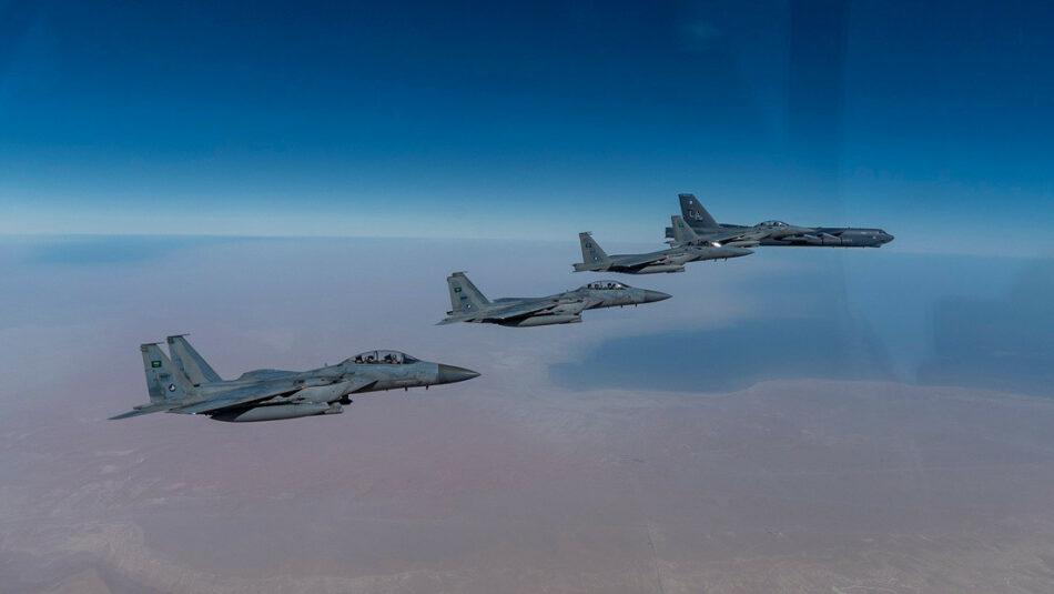Bombarderos estratégicos de EE.UU. sobrevuelan Oriente Medio para demostrar «su poderío aéreo en cualquier parte del mundo»