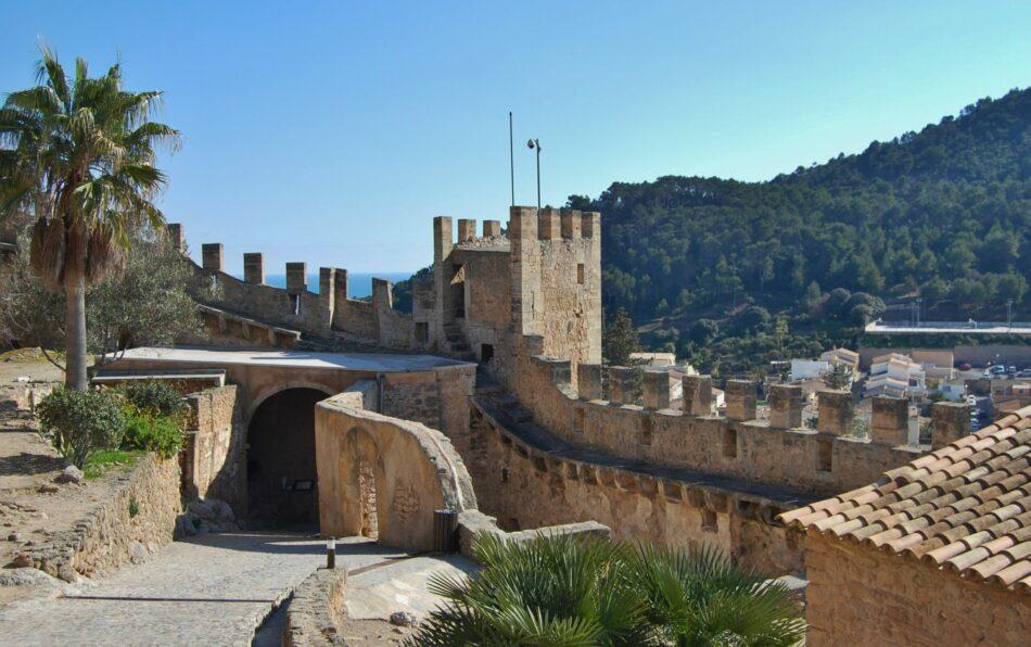 Otra derrota para la Iglesia en torno a las inmatriculaciones: las murallas de Artà en La Palma son de titularidad pública