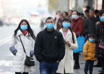 En China se produjeron miles de contagios asintomáticos tras controlar el virus en marzo