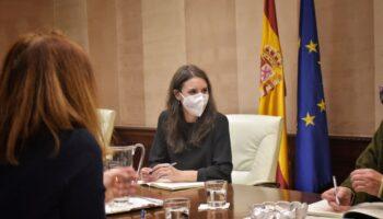 La Plataforma Trans defiende la gestión de Irene Montero al frente del Ministerio de Igualdad