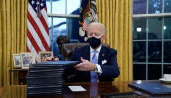 Estados Unidos vuelve al Acuerdo de París y obliga al uso de la mascarilla