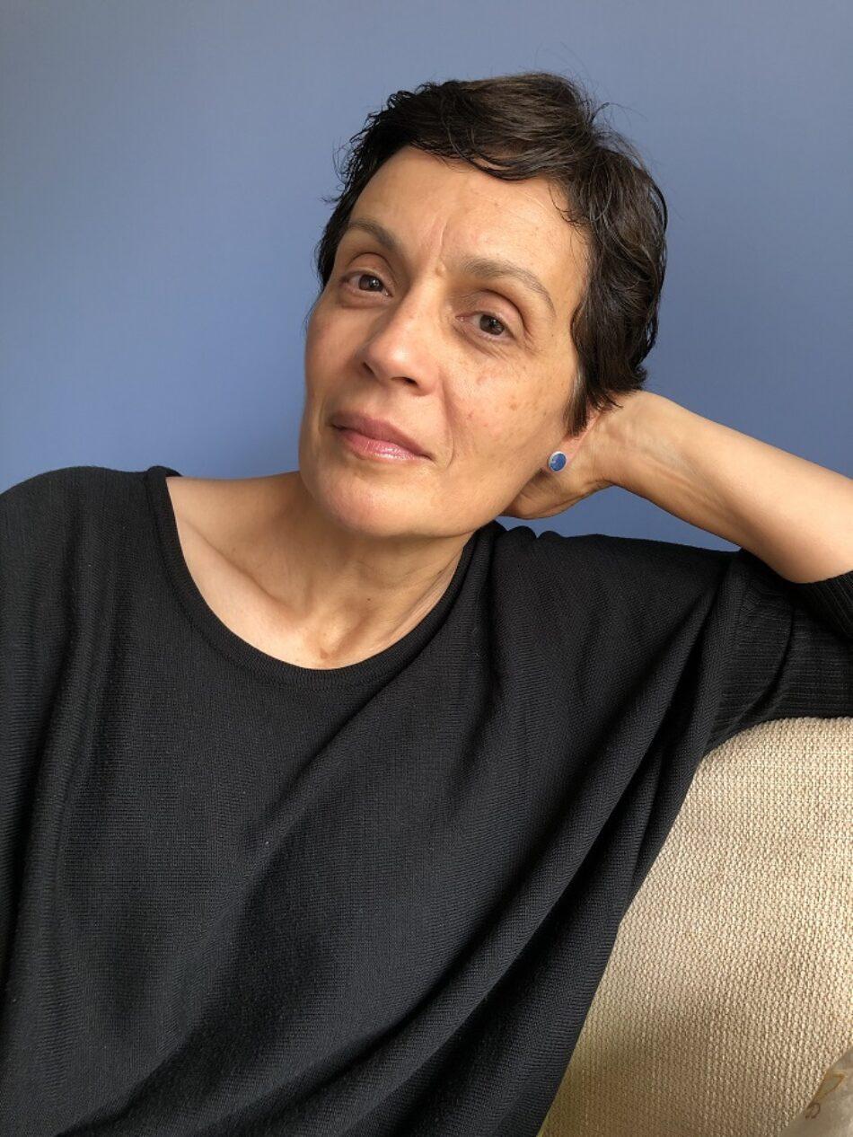 La filósofa y escritora Marifé Santiago Bolaños dirige una colección de ensayo creativo desde una poética de la belleza