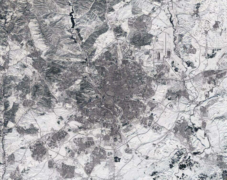 Imagen de satélite de Madrid cubierto de nieve
