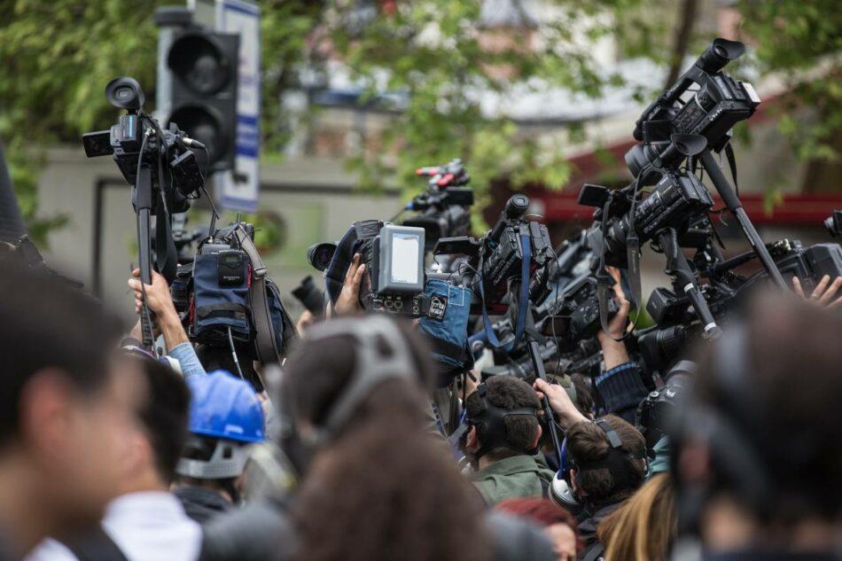 Los medios relegan a científicos y activistas como fuentes secundarias al tratar la crisis climática