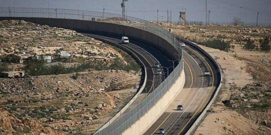 El ocupante israelí aísla a Jerusalén de Cisjordania con una carretera de separación racial