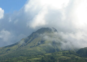 Temor a una nueva erupción de Monte Pelée tras décadas inactivo