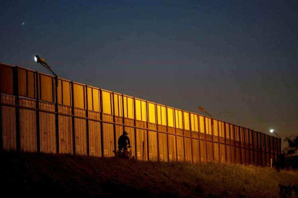 México celebra freno a muro de Trump y devolución migrantes