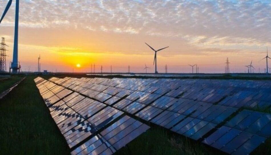 «Eléctrica de Cádiz», «Barcelona Energía» o «Som Energía» no subirán el precio de la luz en enero