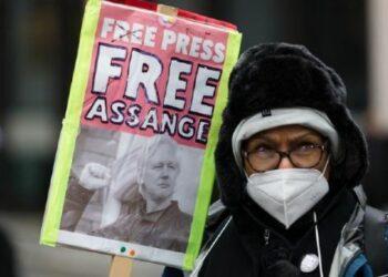 Numerosas voces expresan satisfacción por victoria de Assange
