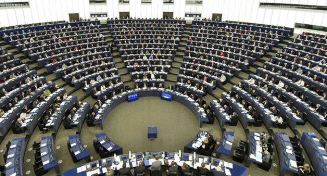 El Parlamento Europeo insta a los Estados miembros a «regular el mercado inmobiliario a fin de garantizar el acceso a una vivienda asequible y adecuada»