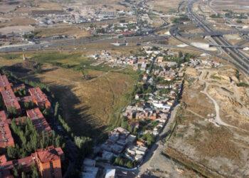 Denuncian la ausencia de soluciones de Ayuso para la Cañada Real a pesar de las advertencias de Naciones Unidas