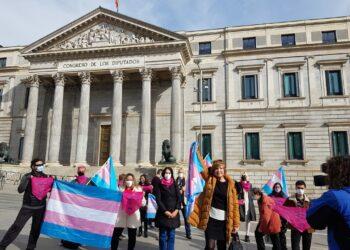Mar Cambrollé junto con representantes de colectivos trans y familias anuncian huelga de hambre si en un mes la Ley Trans no se registra en el Congreso