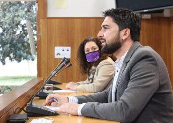 Ismael Sánchez pide a la Junta que resuelva de forma urgente los puntos de vacunación para las personas mayores de 80 años en la provincia de Sevilla
