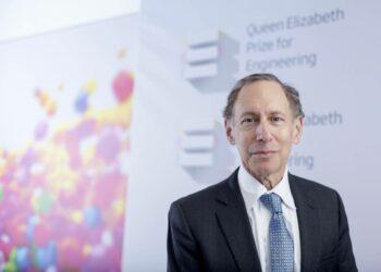 """Robert Langer, catedrático de ingeniería química en el MIT: """"No desarrollen nada por dinero, sino por el impacto que tendrá en la sociedad"""""""