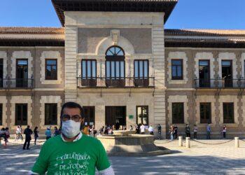 «La Consejería de Educación de la Junta de Andalucía abandona a la comunidad sorda»