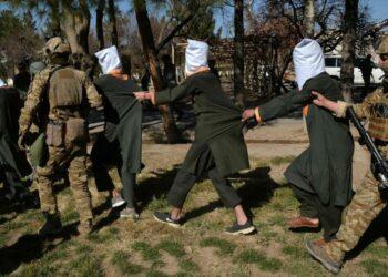 Fuerzas afganas matan a más de 30 talibanes en Kandahar