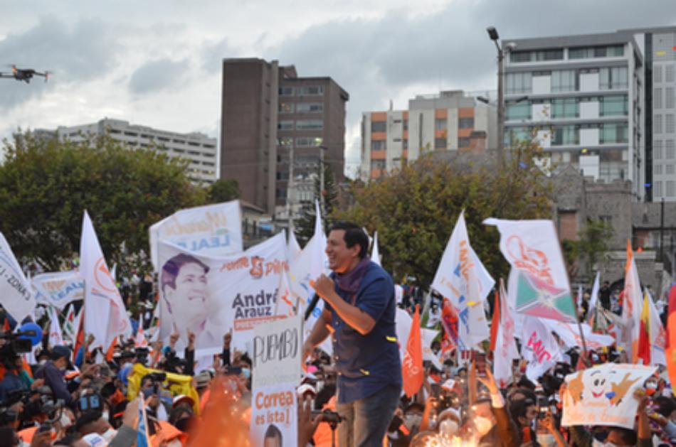 Ecuador decide este domingo su futuro en la segunda vuelta entre Arauz y Lasso