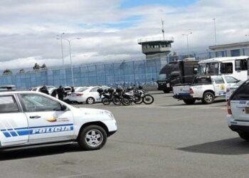 Motines en cárceles de Ecuador dejan 75 reclusos fallecidos
