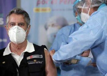 Al menos 470 personas fueron vacunados clandestinamente en Perú