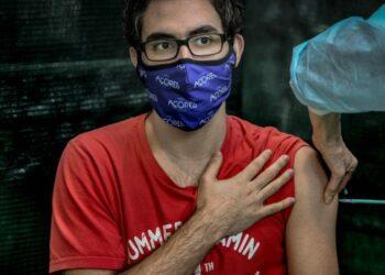 """OMS alerta de la """"brecha grotesca"""" de vacunación contra COVID-19"""