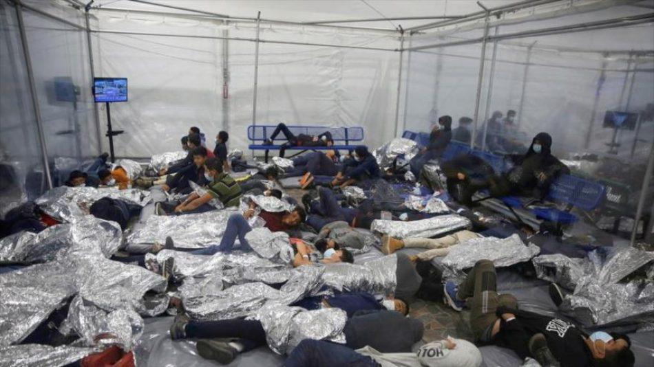 Fotos muestran situación deplorable de un campo de menores en EEUU