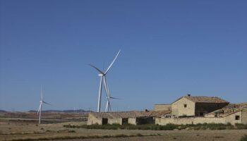 Compromís y Chunta exigen garantías y sensatez para  el desarrollo de las energías renovables en el medio rural
