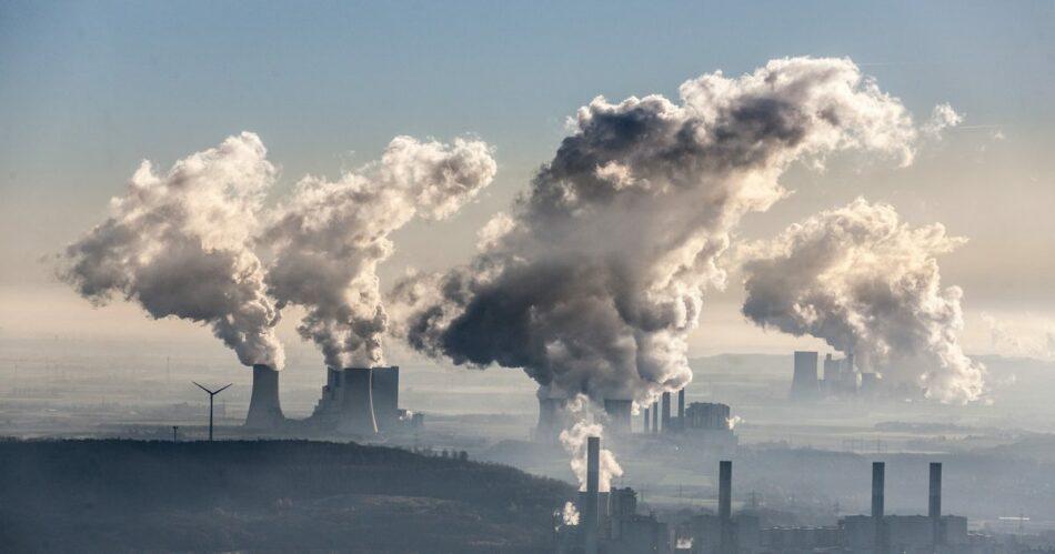 El Gobierno plantea abandonar el Tratado de la Carta de la Energía si no se alinea con los objetivos del Acuerdo de París