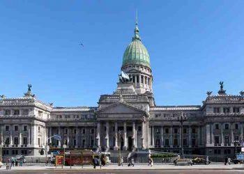 A debate en Senado argentino impuesto a las ganancias
