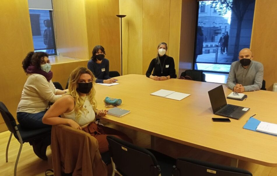 Encuentro de colectivos de trabajadoras sexuales con el Bloque Nacionalista Galego (BNG) en Madrid