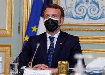 Emmanuel Macron desata la polémica al hablar de «guerra mundial» refiriéndose a las vacunas
