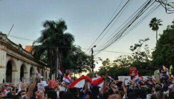 Segundo día de protestas contra Mario Abdo en Paraguay