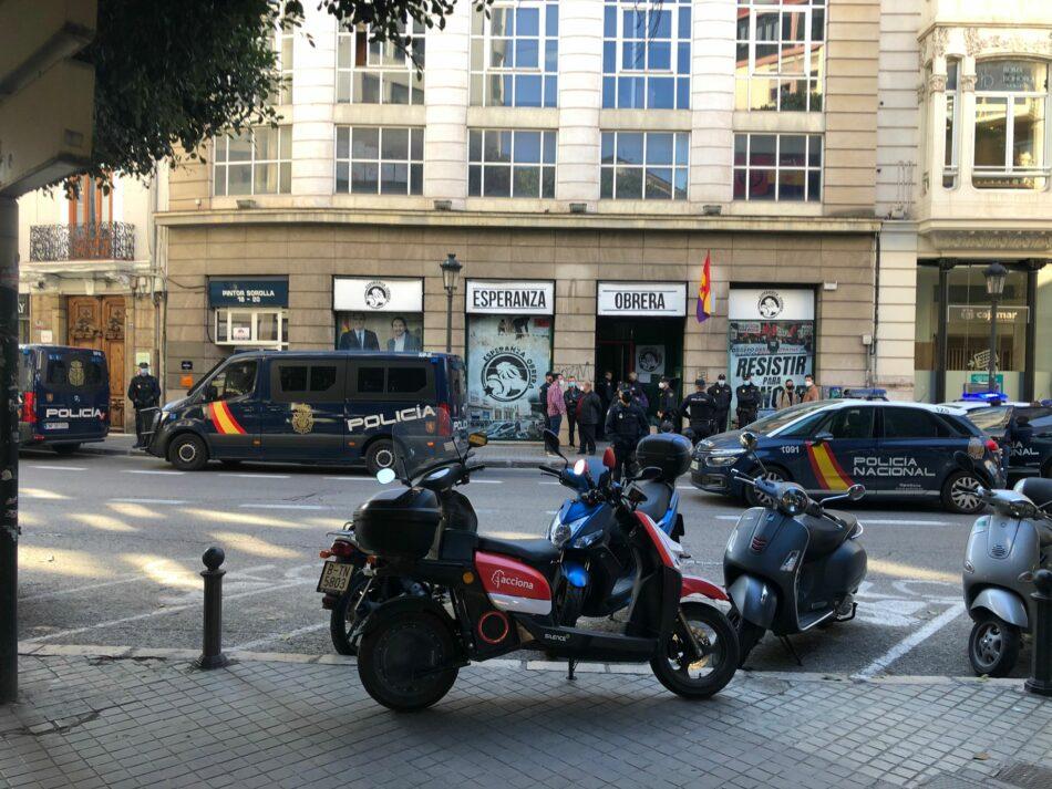 Desalojan el local desde donde «Esperanza Obrera» repartía alimentos en el centro de València
