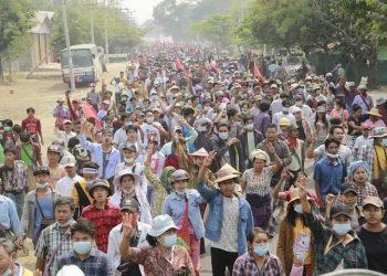 La represión de las protestas en Myanmar deja al menos 40 muertos