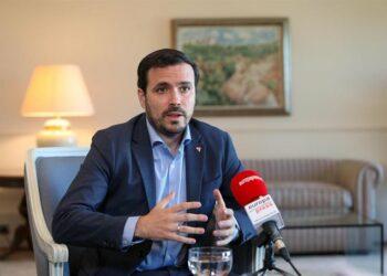 Garzón descarta una fusión de IU con Podemos en una nueva etapa que «reforzará la organización desde el ecologismo y feminismo»