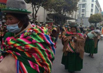 Miles de bolivianos marcharon en todo el país exigiendo justicia por los crímenes de los golpistas