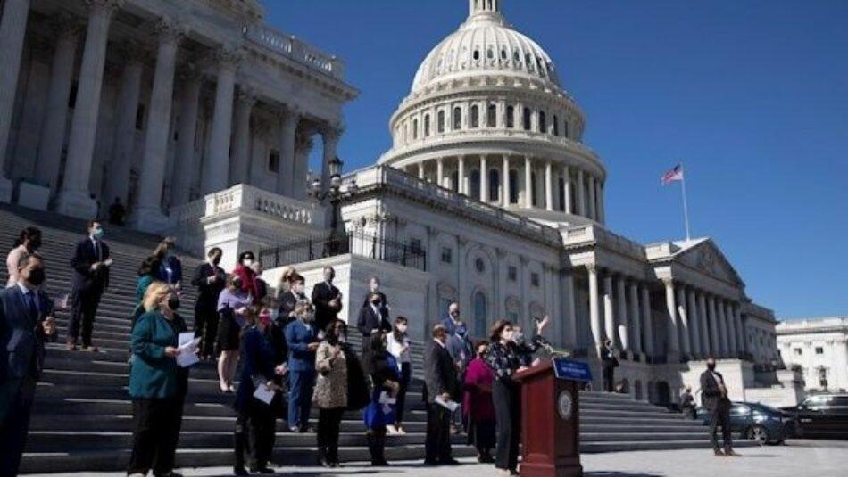 Cámara de EE.UU. aprueba ley contra violencia policial