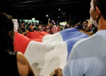 Diputados paraguayos impulsan juicio político contra Mario Abdo