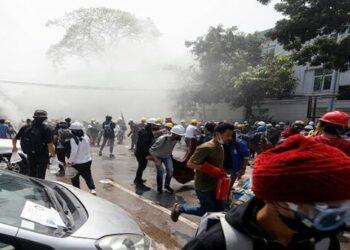 Represión en Myanmar deja al menos seis manifestantes muertos