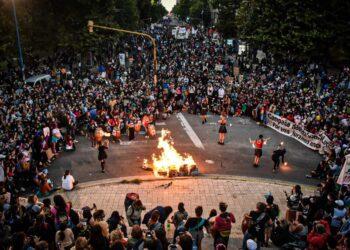 Masivas movilizaciones de mujeres y disidencias coparon las calles a lo largo y ancho de Argentina el 8M